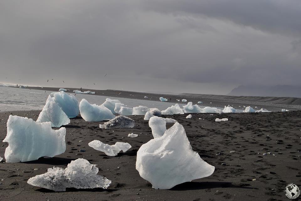 Playa de arena negra Jökulsárlón, Islandia