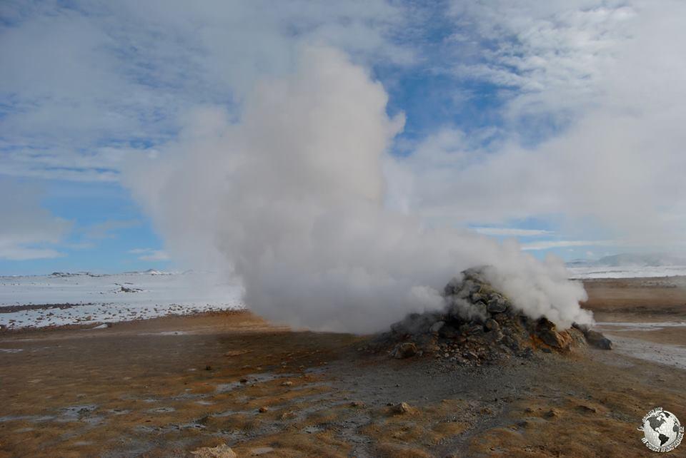 Fumarola silbante Hverir, Islandia