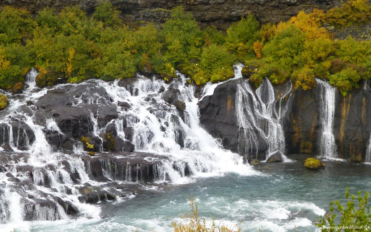 Cascada Hraunfossar, Islandia